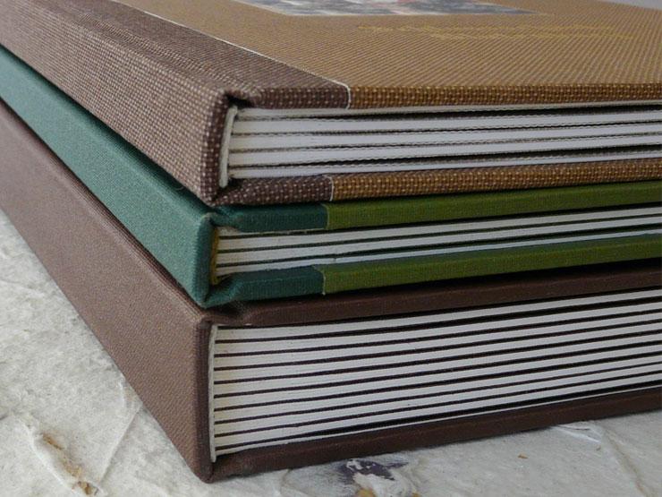 Leinenfalz gebundenes Buch mit Innenflügel