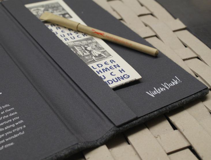 Rechnungsmappe mit Tasche und Prägung