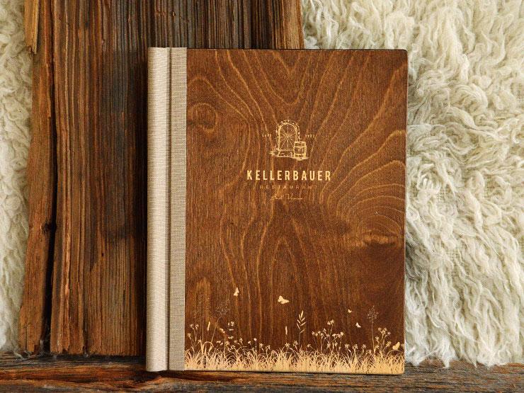 ClemmUp® - Speisekarte, Holz mit Lasergravur und Leinenrücken