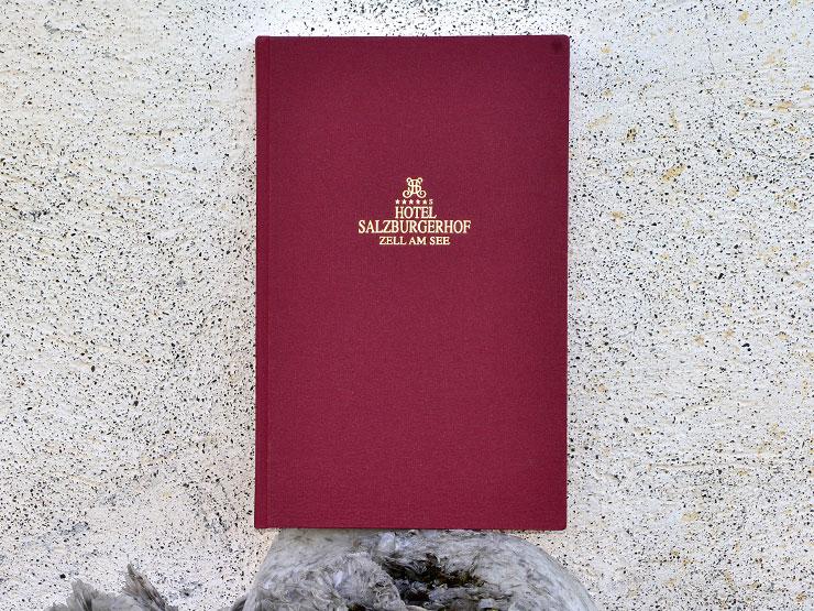 Leinenfalz - Weinkarte mit Innenflügel Leinenüberzogen, Leinen mit Goldprägung
