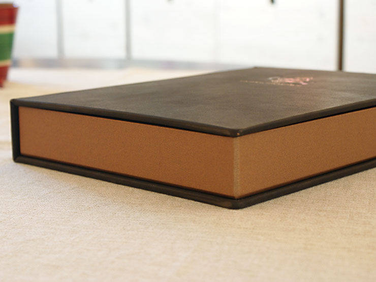 Infobox - Leinenüberzogener Rahmen